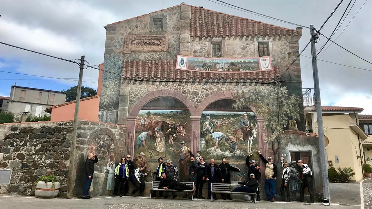 A beautiful murales in Sardina